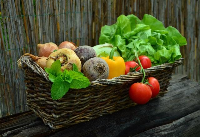 男の体臭を改善するための食生活のポイント